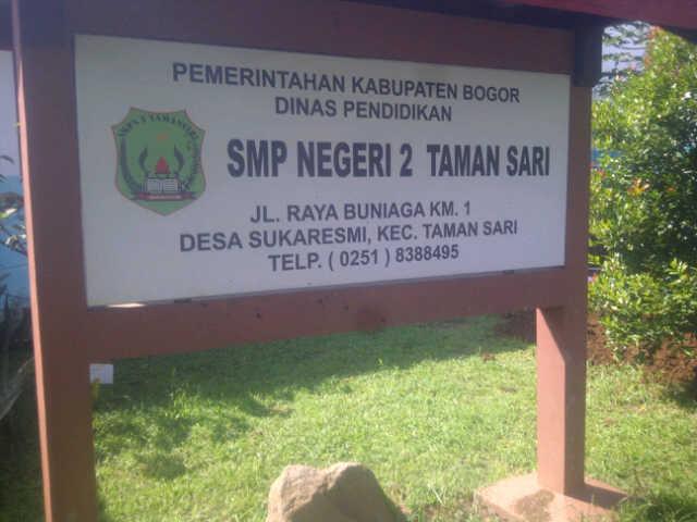 Halam Depan (Papan) SMP Negeri 2 Taman Sari, Jawa Barat, Bogor