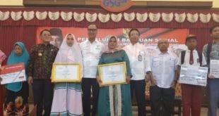 LensaHukum.co.id - 1.000 Warga Kabupaten Bekasi Menerima Bantuan PKH 310x165 - 1.000 Warga Kabupaten Bekasi, Menerima Bantuan (PKH)