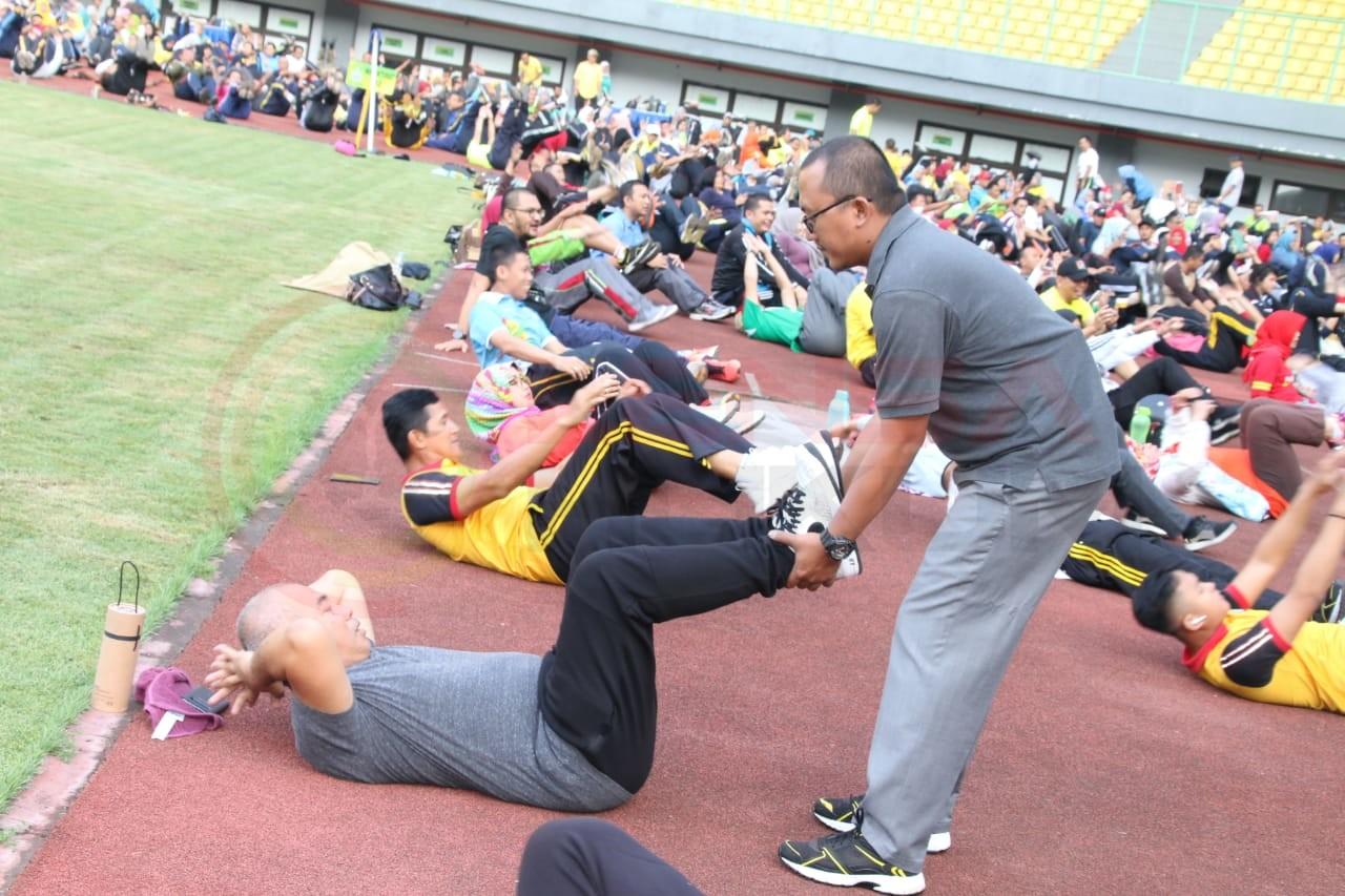 LensaHukum.co.id - IMG 20190618 WA0051 - Saran Walikota ASN dan Non ASN Senam Sparco di Stadion Patriot