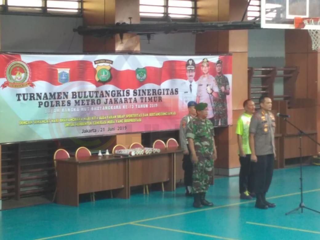 LensaHukum.co.id - IMG 20190621 WA0143 - Kapolres Jakarta Timur Resmikan Turnamen Bulutangkis Hut Bhayangkara Ke-73 Tahun 2019