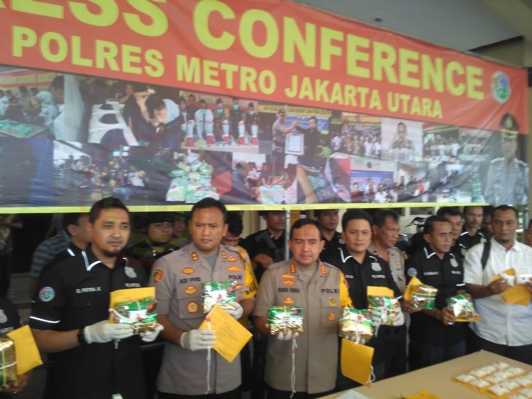 LensaHukum.co.id - IMG 20190806 WA0025 - Sat Reserse Narkoba Polres Metro Jakarta Utara Berhasil Menggagalkan Peredaran 10 KG Jenis Sabu