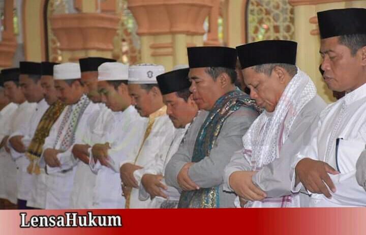 LensaHukum.co.id - IMG 20190811 WA0018 - Bupati Pekalongan Shalat Idhul Adha Di Masjid Agung Al-Muhtaram